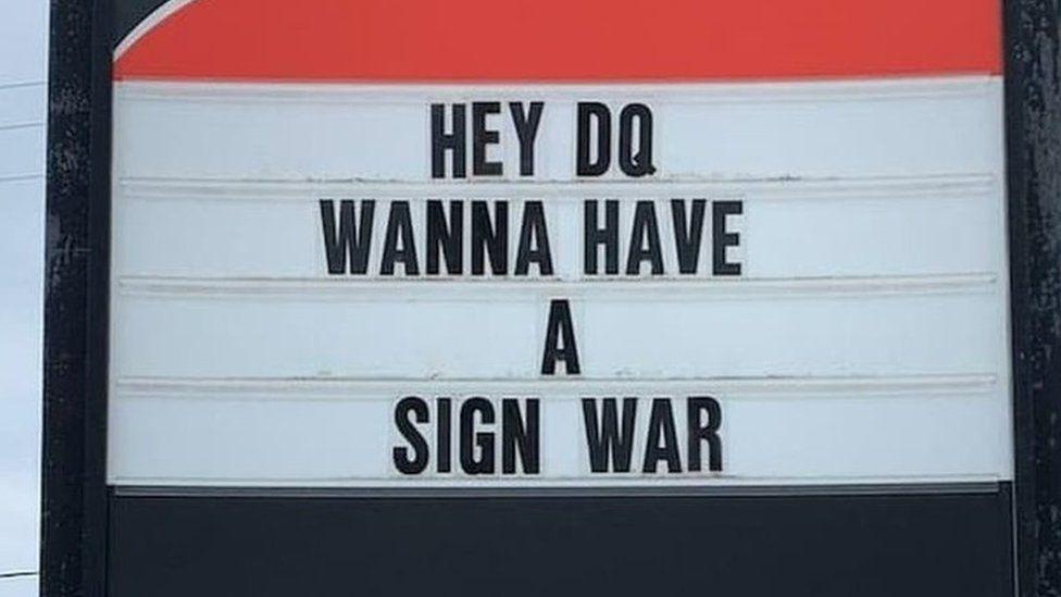 Speedy Glass sign board