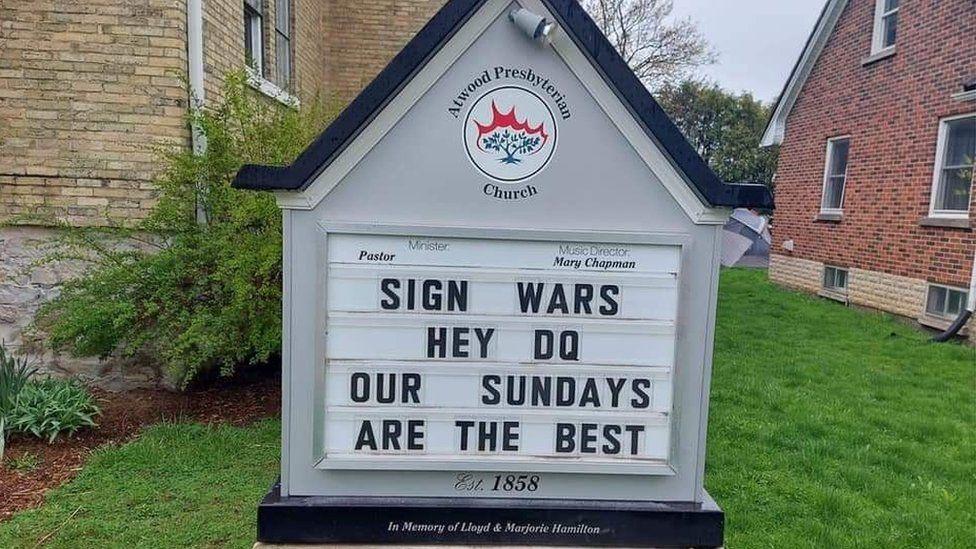 Sign war